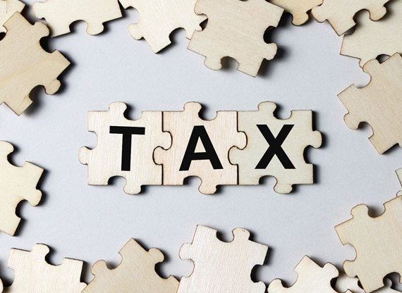 How Much Tax Is Deducted From a Paycheck in NY?